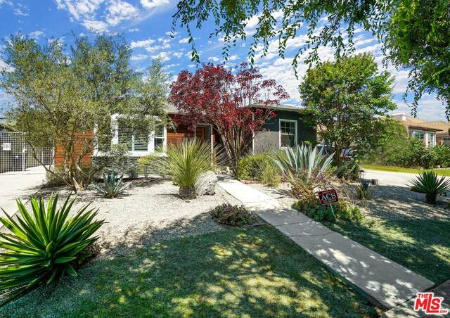 1915 S Crescent Heights Blvd, Los Angeles, CA 90034 (#21-748602) :: Randy Plaice and Associates