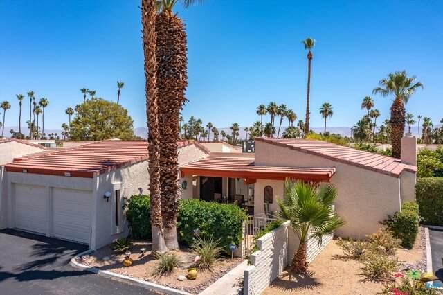 1233 S La Verne Way, Palm Springs, CA 92264 (MLS #21-748638) :: Hacienda Agency Inc
