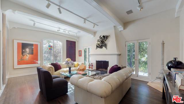 454 S Elm Dr, Beverly Hills, CA 90212 (#21-748982) :: The Grillo Group