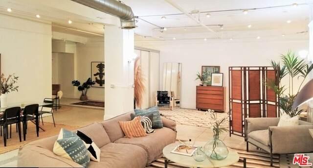 108 W 2Nd St #207, Los Angeles, CA 90012 (#21-749150) :: Montemayor & Associates