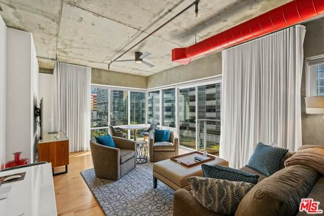 645 W 9TH St #420, Los Angeles, CA 90015 (#21-749180) :: Angelo Fierro Group | Compass