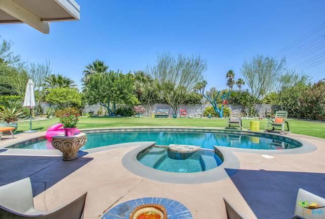 506 N Sunset Way, Palm Springs, CA 92262 (#21-749210) :: Berkshire Hathaway HomeServices California Properties