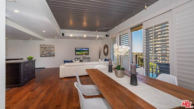 2160 Century Park #609, Los Angeles, CA 90067 (#21-749366) :: Montemayor & Associates