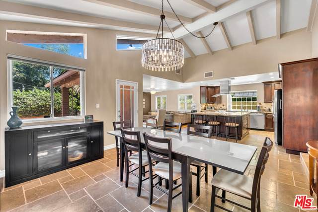 3160 Sepulveda Blvd, Sherman Oaks, CA 91403 (#21-749494) :: Montemayor & Associates
