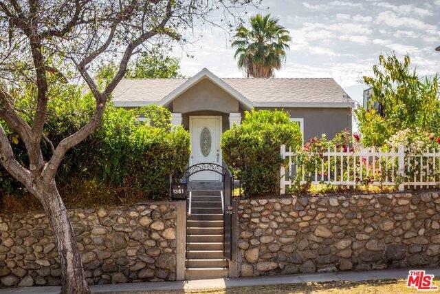 1361 N Garfield Ave, Pasadena, CA 91104 (#21-749576) :: Montemayor & Associates