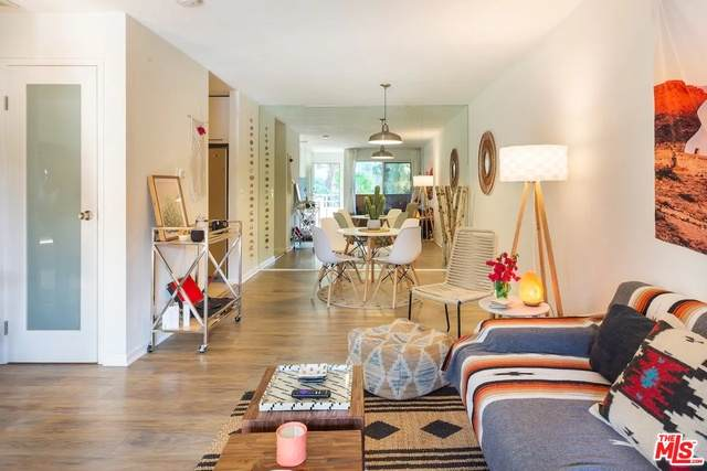510 N Villa Ct #205, Palm Springs, CA 92262 (#21-749710) :: Montemayor & Associates
