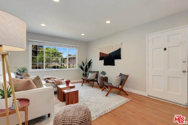 4024 Abourne Rd B, Los Angeles, CA 90008 (#21-749760) :: Montemayor & Associates