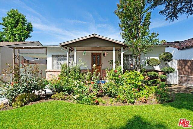 431 N Ontario St, Burbank, CA 91505 (#21-749848) :: Montemayor & Associates