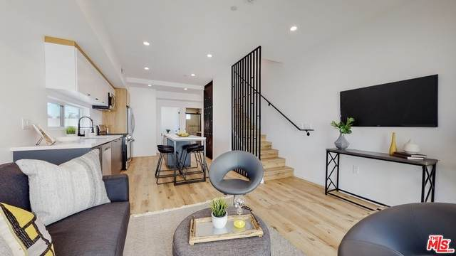 2654-1/2 S Mansfield Ave, Los Angeles, CA 90016 (#21-750012) :: Montemayor & Associates