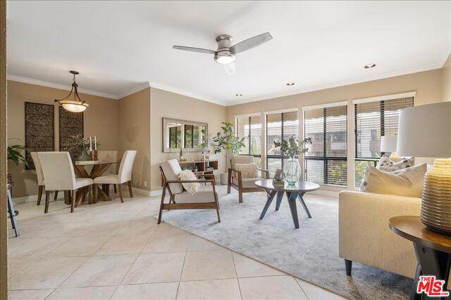 837 N West Knoll Dr #301, West Hollywood, CA 90069 (#21-750158) :: TruLine Realty