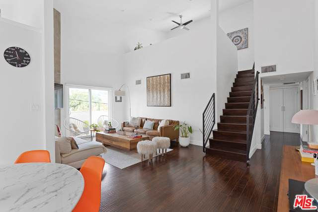 1021 N Crescent Heights Blvd #305, West Hollywood, CA 90046 (#21-750268) :: TruLine Realty