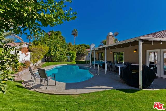 68250 Tachevah Dr, Cathedral City, CA 92234 (MLS #21-750284) :: The John Jay Group - Bennion Deville Homes