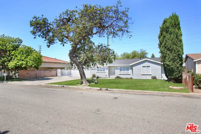 450 Calle Jazmin, Thousand Oaks, CA 91360 (#21-750320) :: The Pratt Group