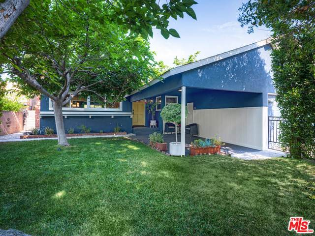 6821 Babcock Ave, North Hollywood, CA 91605 (MLS #21-750418) :: The Sandi Phillips Team