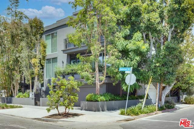 600 N Sweetzer Ave #600, Los Angeles, CA 90048 (MLS #21-750616) :: The Jelmberg Team