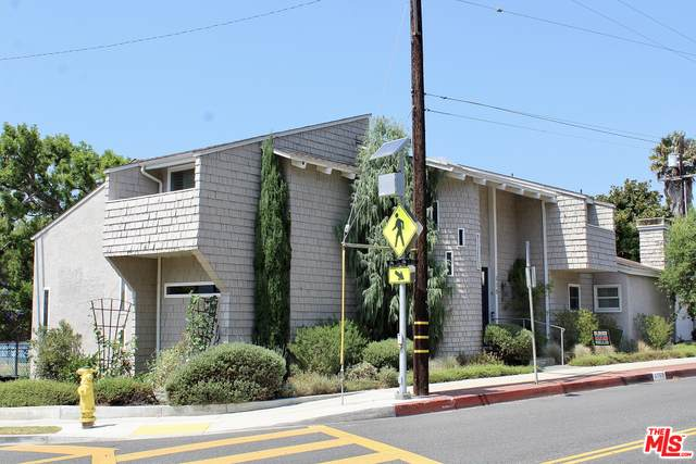 215 S Valley Dr, Manhattan Beach, CA 90266 (MLS #21-750686) :: The Jelmberg Team