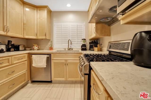 10636 Woodley Ave #13, Granada Hills, CA 91344 (#21-750746) :: The Pratt Group
