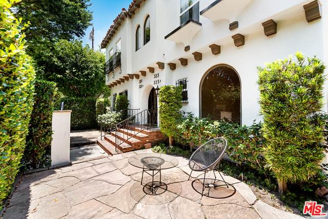 321 S Reeves Dr, Beverly Hills, CA 90212 (#21-751558) :: The Grillo Group