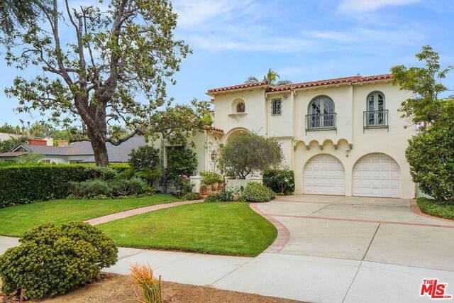 239 20Th St, Santa Monica, CA 90402 (#21-751904) :: The Grillo Group