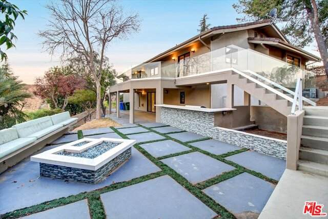 54 Dapplegray Rd, Bell Canyon, CA 91307 (#21-752396) :: The Grillo Group