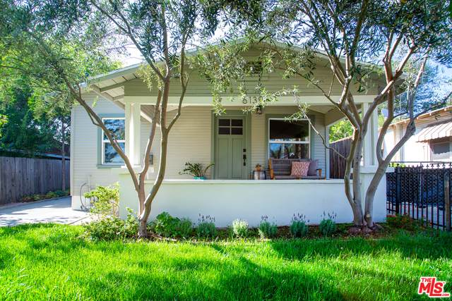 6139 Burwood Ave - Photo 1