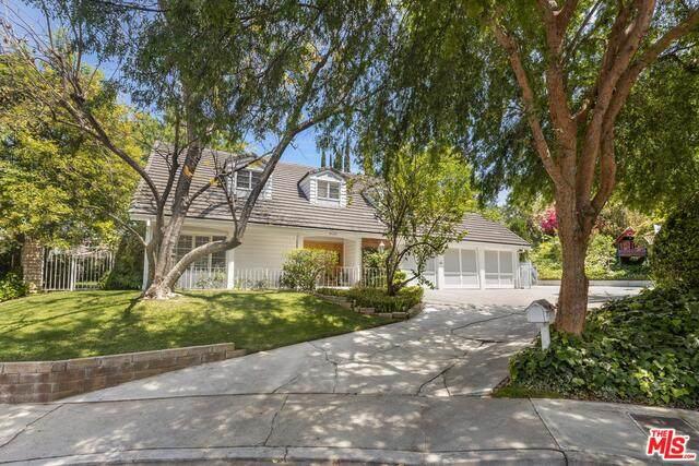 4420 Da Vinci Ave, Woodland Hills, CA 91364 (#21-752724) :: TruLine Realty