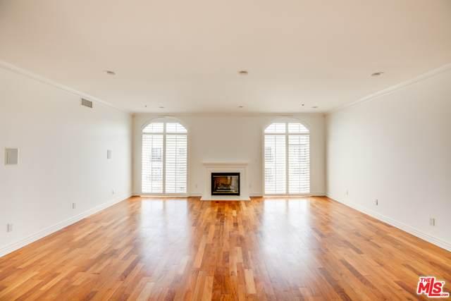 925 S Westgate Ave #402, Los Angeles, CA 90049 (#21-752972) :: Montemayor & Associates