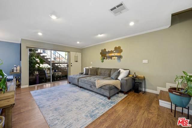 10757 Hortense St #208, Toluca Lake, CA 91602 (#21-753714) :: Berkshire Hathaway HomeServices California Properties
