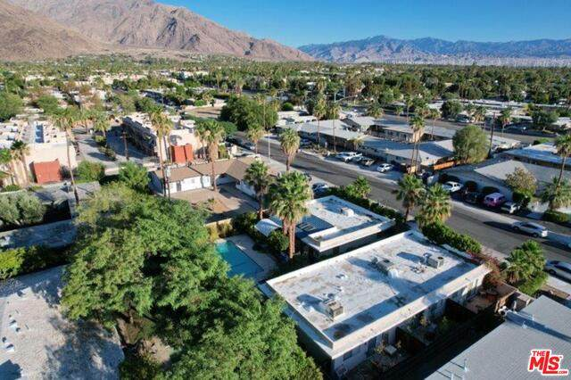 723 E Cottonwood Rd, Palm Springs, CA 92262 (#21-754254) :: Montemayor & Associates