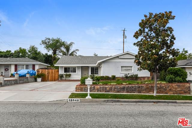 19848 Ermine St, Canyon Country, CA 91351 (#21-756182) :: Berkshire Hathaway HomeServices California Properties