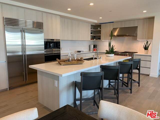 17328 Tramonto Dr #206, Pacific Palisades, CA 90272 (#21-756964) :: The Grillo Group