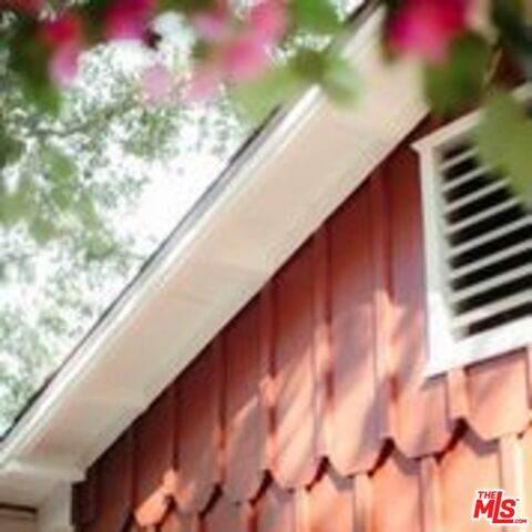 21042 Entrada Rd, Topanga, CA 90290 (#21-757112) :: Lydia Gable Realty Group