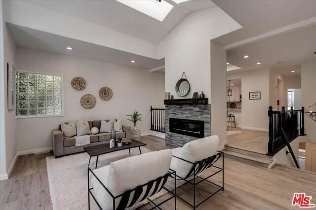 1545 Ford Ave, Redondo Beach, CA 90278 (#21-758092) :: Berkshire Hathaway HomeServices California Properties