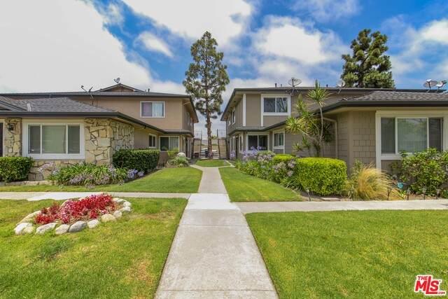 16663 Arbor Cir 30B, Huntington Beach, CA 92647 (#21-758336) :: Berkshire Hathaway HomeServices California Properties