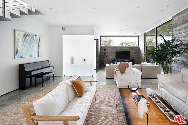739 California Ave, Venice, CA 90291 (#21-759324) :: Vida Ash Properties | Compass
