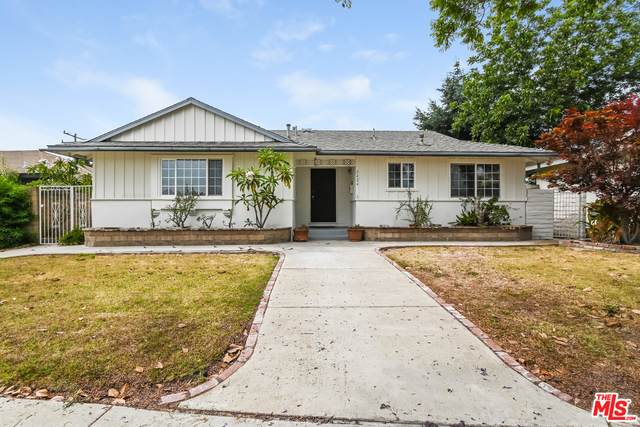 2424 Candlewood St, Lakewood, CA 90712 (#21-759522) :: The Grillo Group