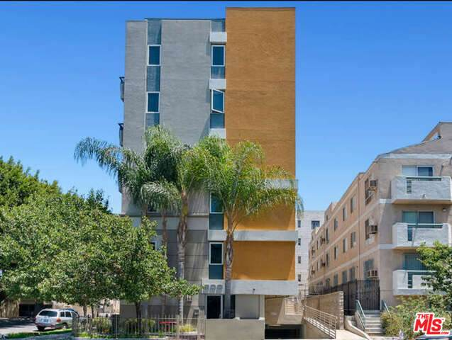 900 S Harvard Blvd #302, Los Angeles, CA 90006 (MLS #21-759780) :: The John Jay Group - Bennion Deville Homes