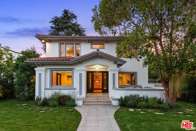 2027 N Canyon Dr, Los Angeles, CA 90068 (#21-760098) :: Berkshire Hathaway HomeServices California Properties