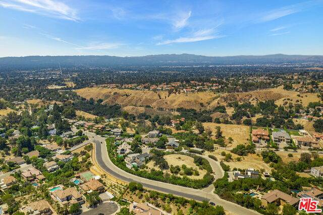 18169 Knoll Hill, Granada Hills, CA 91344 (#21-760494) :: Lydia Gable Realty Group