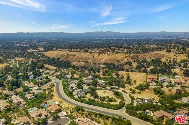 18157 Knoll Hill, Granada Hills, CA 91344 (#21-760498) :: Lydia Gable Realty Group
