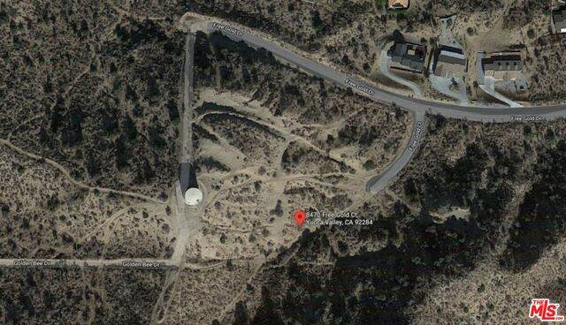 8470 Free Gold Ct, Yucca Valley, CA 92284 (#21-760530) :: The Bobnes Group Real Estate
