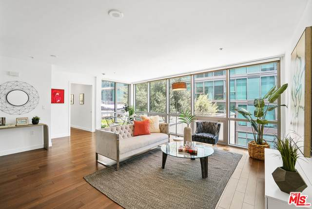 901 S Flower St #501, Los Angeles, CA 90015 (#21-761020) :: Compass