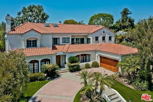 2971 Club Dr, Los Angeles, CA 90064 (#21-761360) :: Berkshire Hathaway HomeServices California Properties