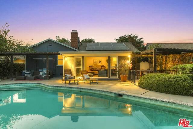 11140 Sylvan St, North Hollywood, CA 91606 (#21-761490) :: Berkshire Hathaway HomeServices California Properties