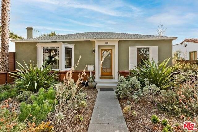 2232 21St St, Santa Monica, CA 90405 (#21-762186) :: Berkshire Hathaway HomeServices California Properties