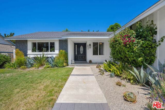 6637 Maplegrove St, Oak Park, CA 91377 (#21-762512) :: Berkshire Hathaway HomeServices California Properties