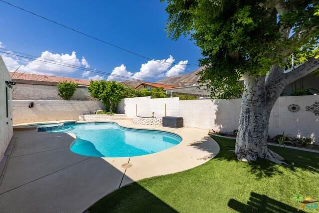 72555 NW Beavertail St, Palm Desert, CA 92260 (#21-762770) :: Berkshire Hathaway HomeServices California Properties