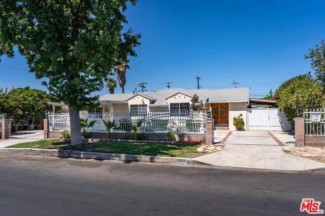 8101 Radford Ave, North Hollywood, CA 91605 (#21-762842) :: Berkshire Hathaway HomeServices California Properties