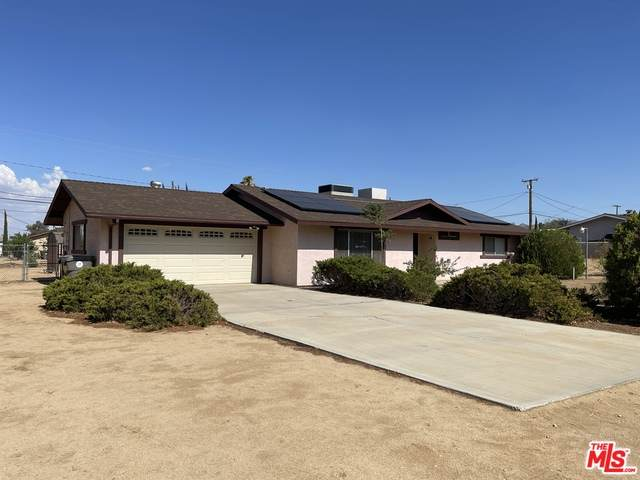 7433 Frontera Ave, Yucca Valley, CA 92284 (#21-762954) :: The Bobnes Group Real Estate