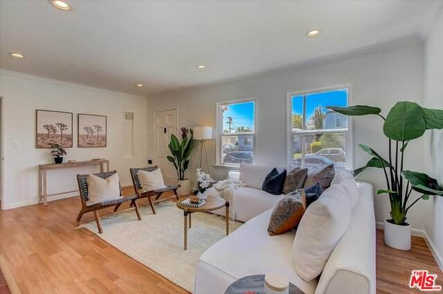 2006 S Spaulding Ave, Los Angeles, CA 90016 (#21-763232) :: Lydia Gable Realty Group